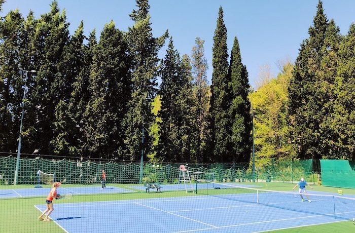 58 Фитнес клуб Zfit (санаторий Заполярье) теннисный корт