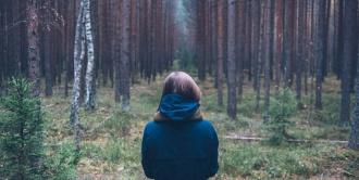 Лес девушка