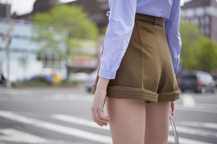 Женские шорты стильно