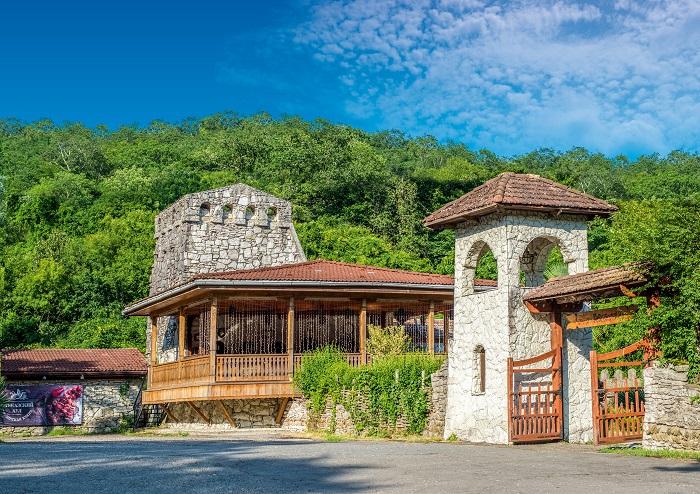 Кавказский аул Сочи терраса