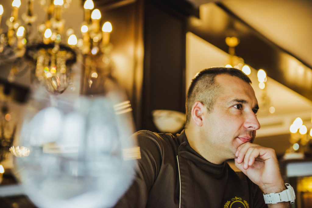 Зоран Велькович: «Все политики должны хорошо поесть, перед тем как подписать важный договор»