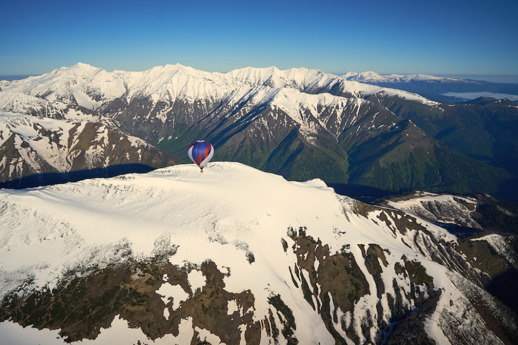 История аэронавта, перелетевшего Кавказский хребет