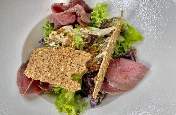 Копия салат с теплым ростбифом и вешенками