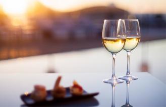 Ужин бокал вино закат романтика
