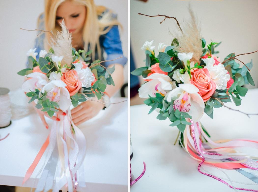 Девушки с цветами в руках: фото и картинки цветы в руках 33