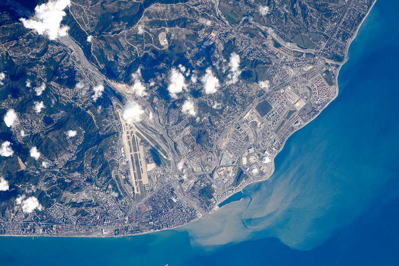фото из космоса краснодарский край поперечным рисунком