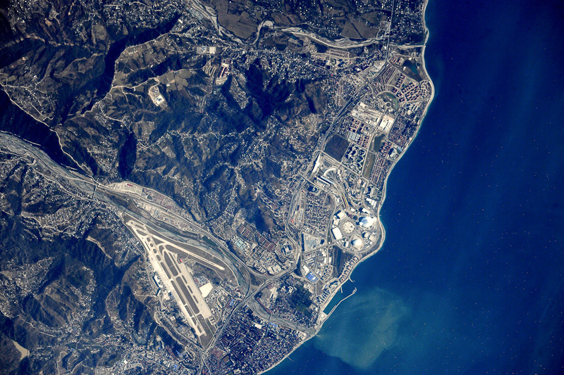 фото из космоса адлер ползущая